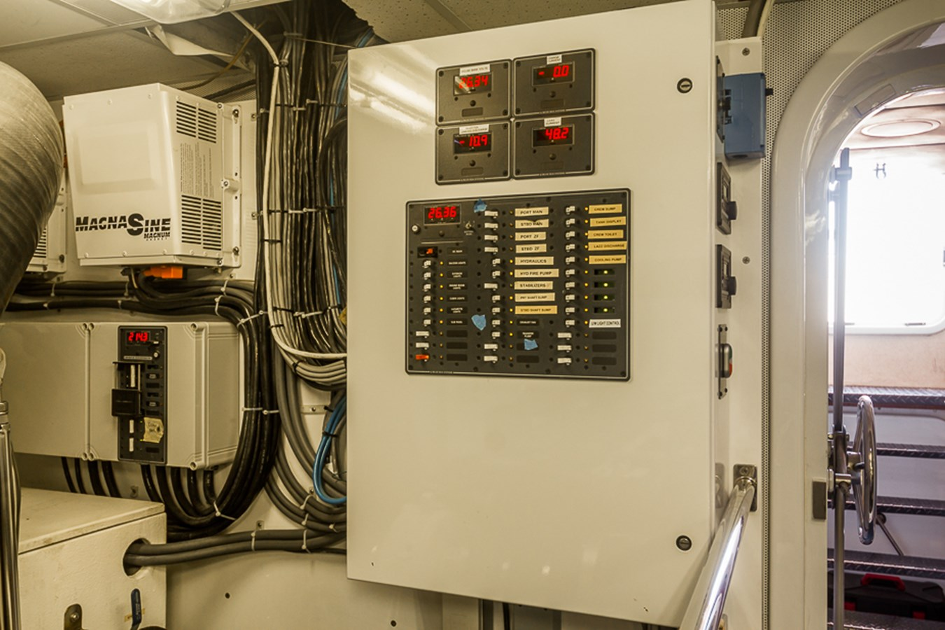 Engine Room 2009 PLATINUM  Motor Yacht 2693700