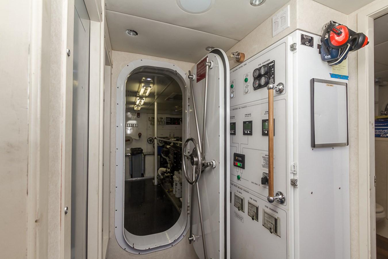 Engine Room 2009 PLATINUM  Motor Yacht 2693708