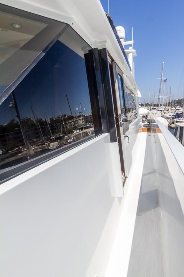 Walkaround Deck 2009 PLATINUM  Motor Yacht 2693717