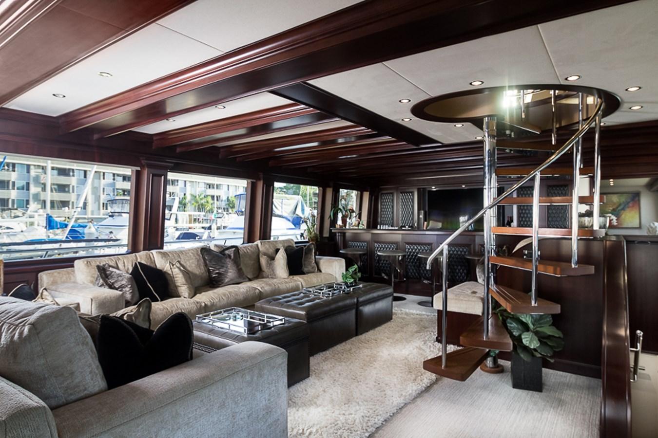 Main Salon 2009 PLATINUM  Motor Yacht 2693740