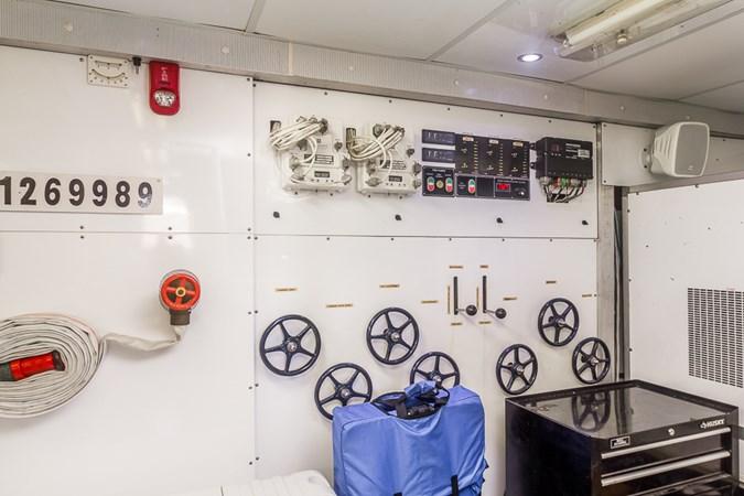 Engine Room 2010 PLATINUM/BLUEWATER YACHT BLDRS  Motor Yacht 2693697