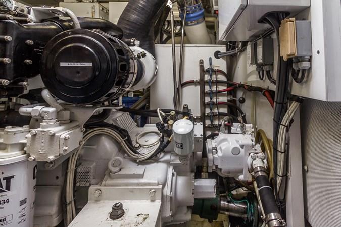Engine Room 2010 PLATINUM/BLUEWATER YACHT BLDRS  Motor Yacht 2693706