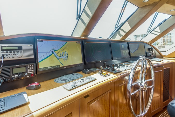 Pilothouse 2010 PLATINUM/BLUEWATER YACHT BLDRS  Motor Yacht 2693718