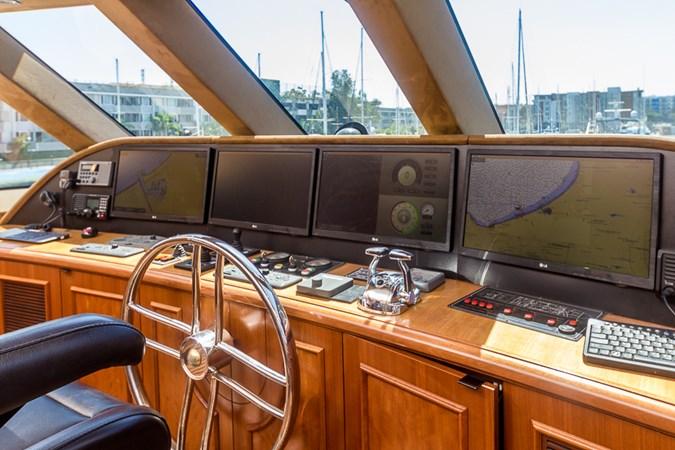 Pilothouse 2010 PLATINUM/BLUEWATER YACHT BLDRS  Motor Yacht 2693720