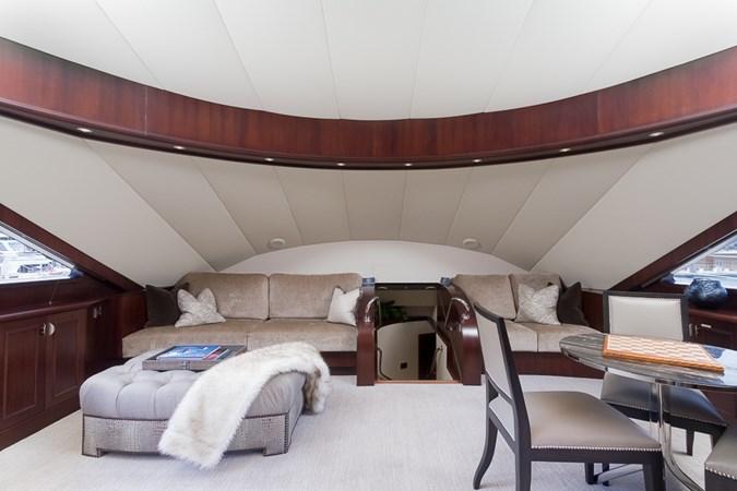 Master Lounge 2010 PLATINUM/BLUEWATER YACHT BLDRS  Motor Yacht 2693732