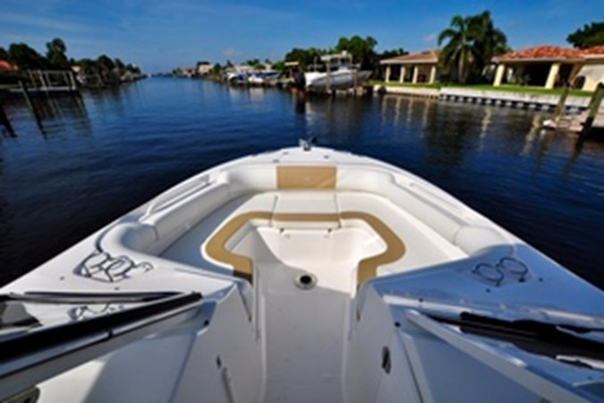 Bow 2016 EDGEWATER 280 CX Center Console 2695125