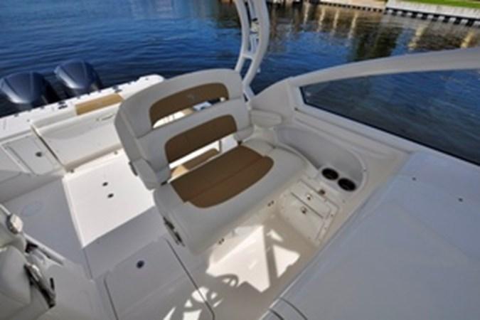 Port Helm Seat 2016 EDGEWATER 280 CX Center Console 2695132