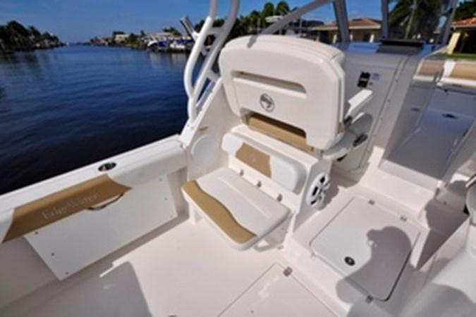 Port Seat 2016 EDGEWATER 280 CX Center Console 2695137