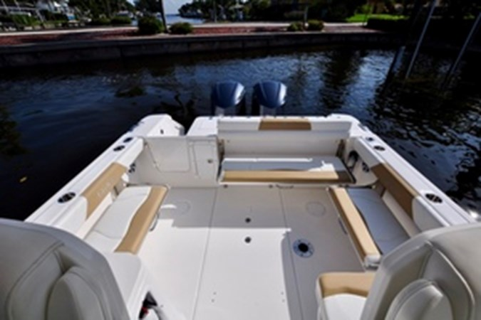 Cockpit Seating Down 2016 EDGEWATER 280 CX Center Console 2695143