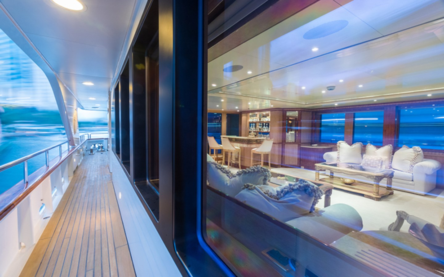 Side Deck - 164 BENETTI For Sale
