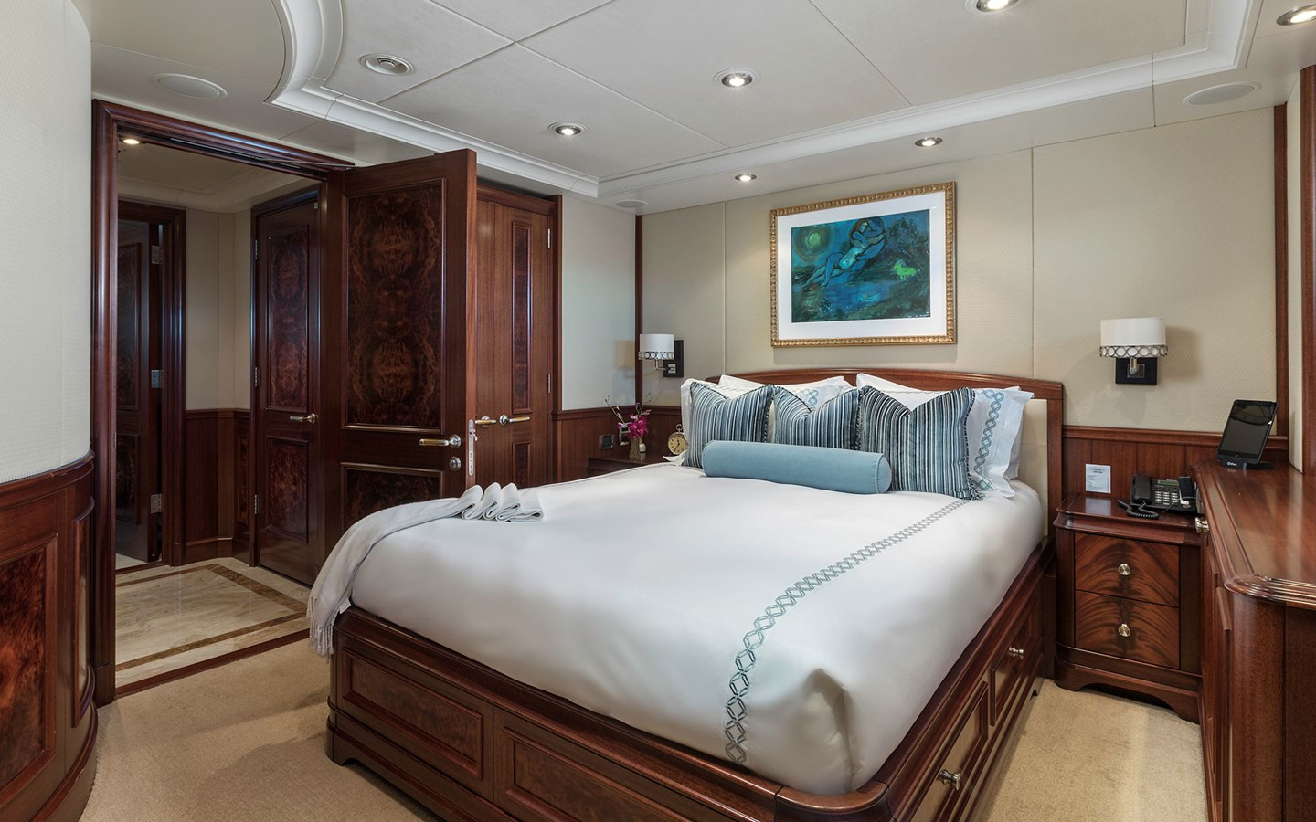 Guest Stateroom - 151 DELTA For Sale