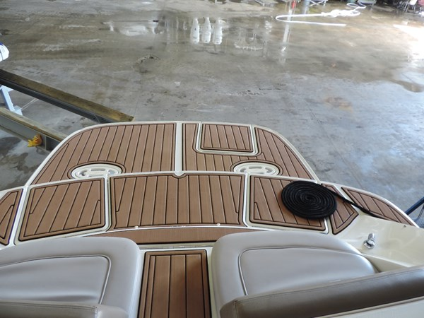 Transom Deck 2011 SEA RAY 300 SLX Cruiser 2697661