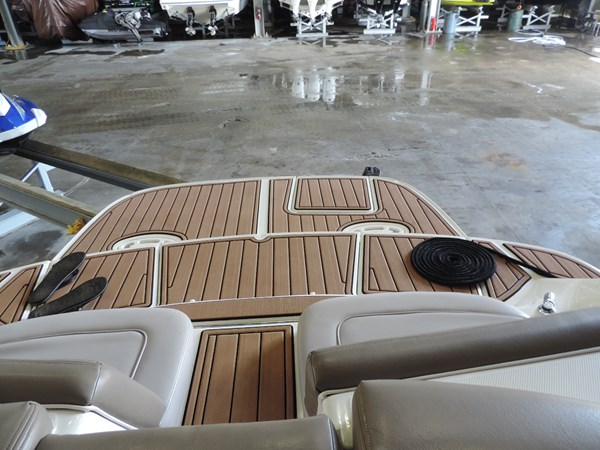 Transom Deck 2011 SEA RAY 300 SLX Cruiser 2697664