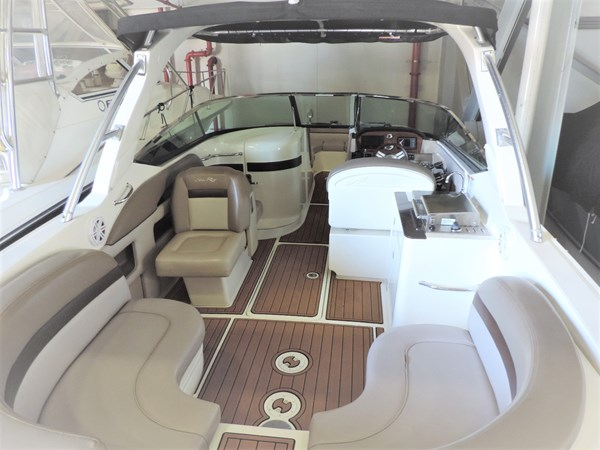 Main Deck 2011 SEA RAY 300 SLX Cruiser 2697682
