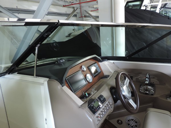 Helm 2011 SEA RAY 300 SLX Cruiser 2697692