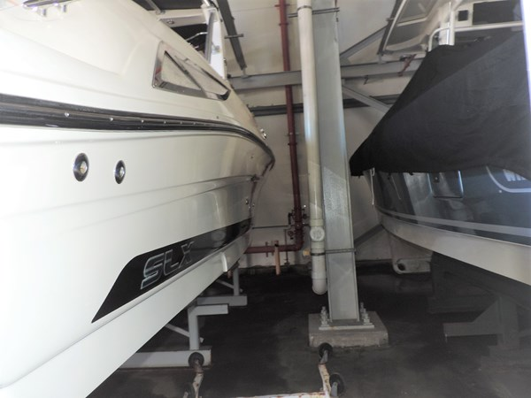 Exterior 2011 SEA RAY 300 SLX Cruiser 2697693