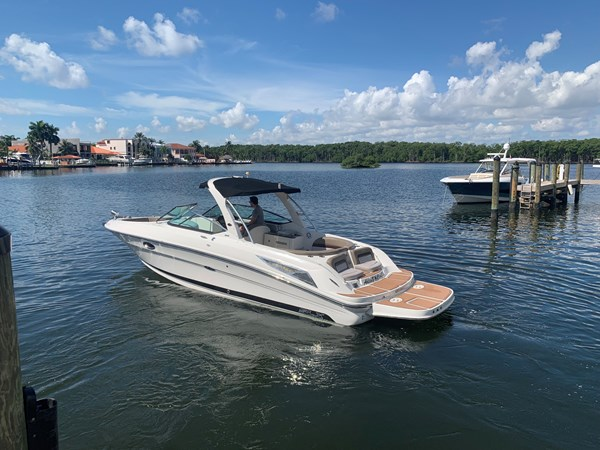 Adios Cash 2011 SEA RAY 300 SLX Cruiser 2697697