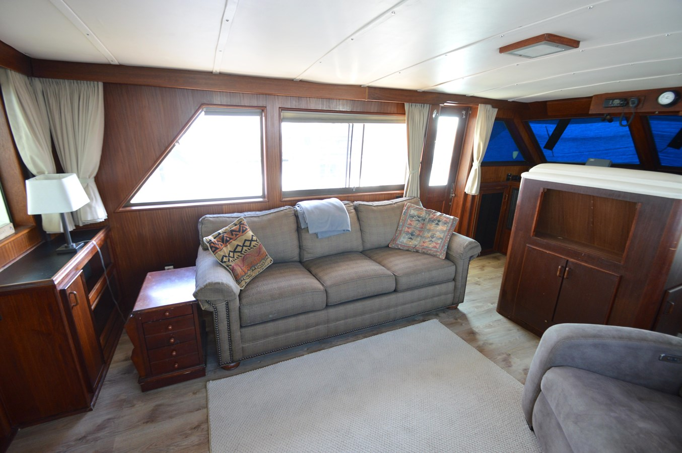 20 - 53 HATTERAS For Sale