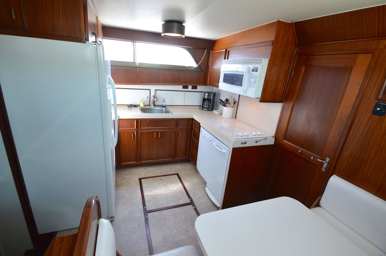 23 - 53 HATTERAS For Sale