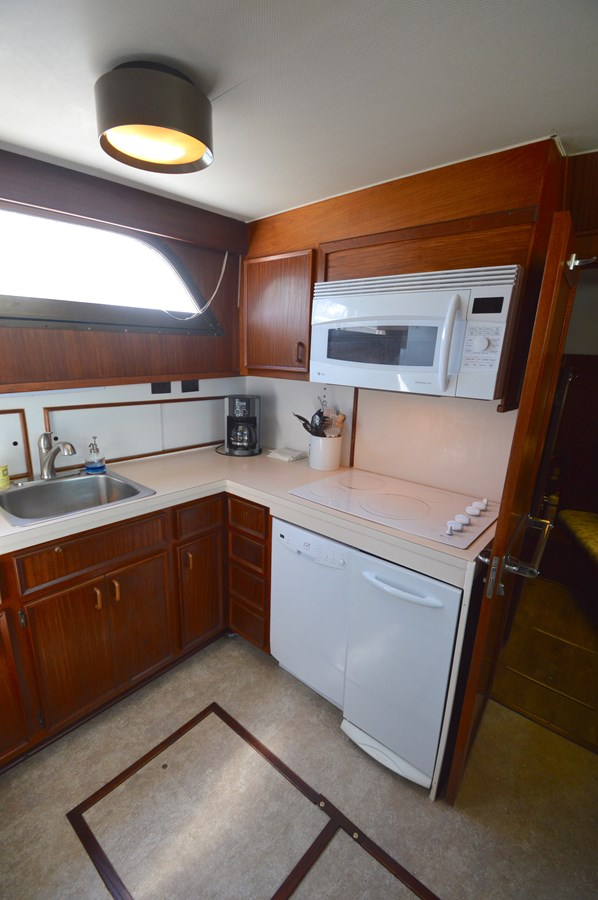 24 - 53 HATTERAS For Sale