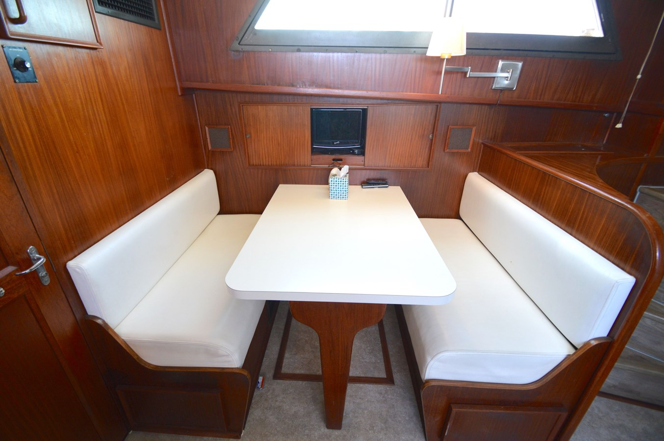 27 - 53 HATTERAS For Sale
