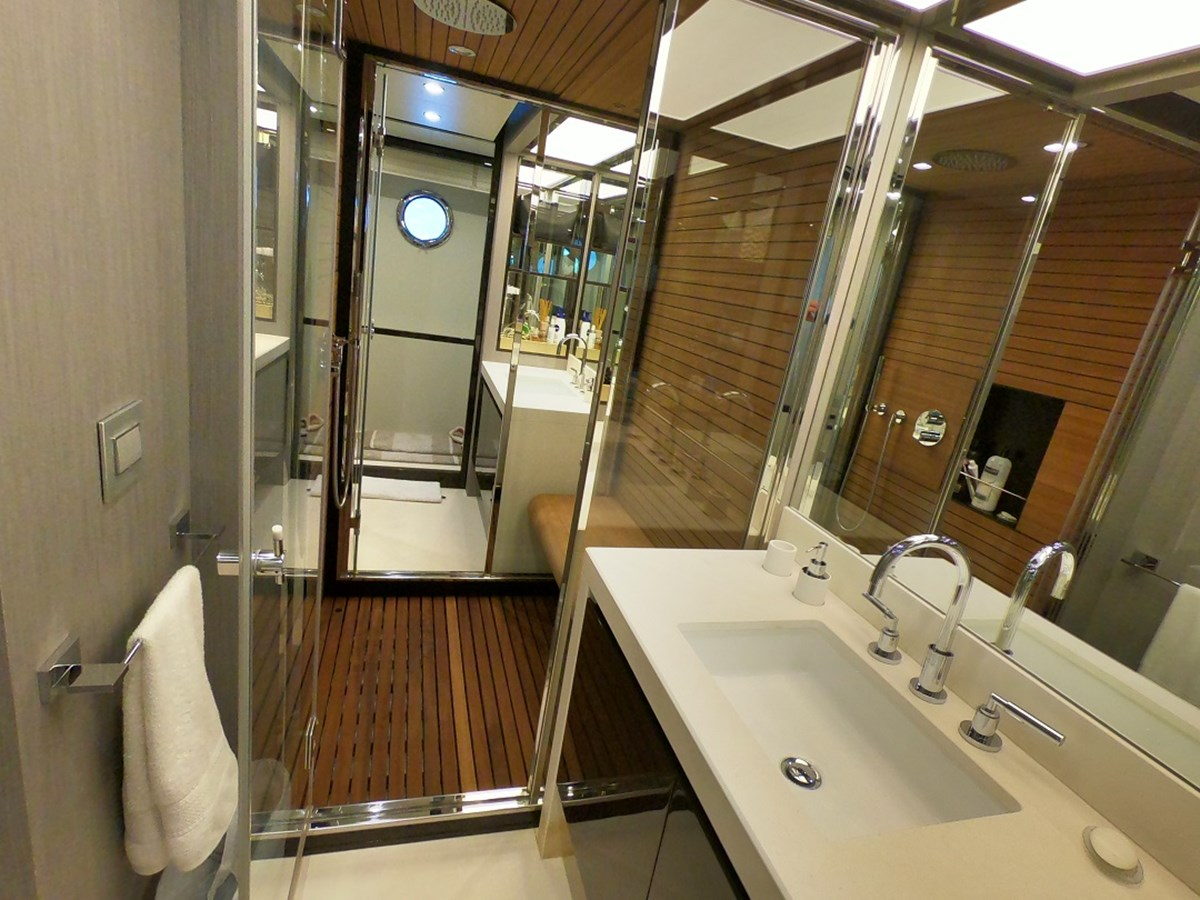 Master Bath2 2018 AZIMUT  Motor Yacht 2847248