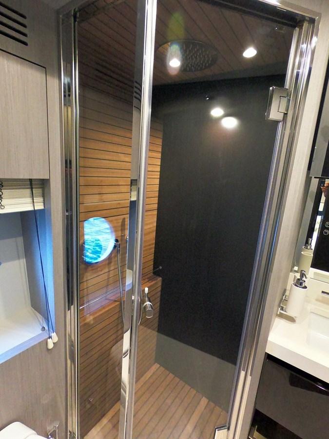 Guest Shower 2018 AZIMUT  Motor Yacht 2847258