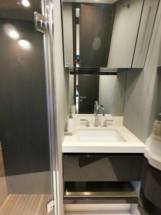 Guest Sink 2018 AZIMUT  Motor Yacht 2847260