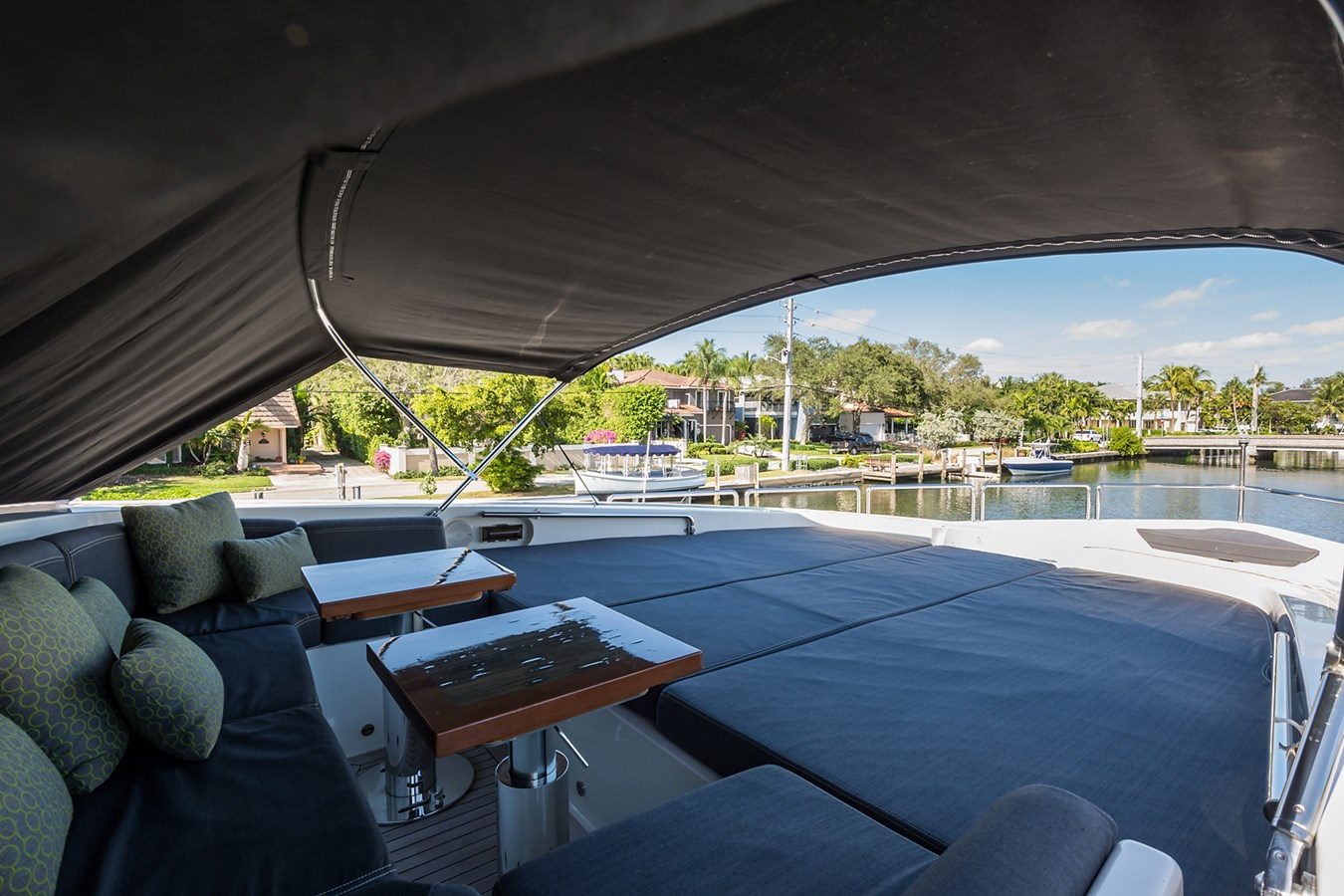 Bow 2008 LEOPARD Motor Yacht Motor Yacht 2698940
