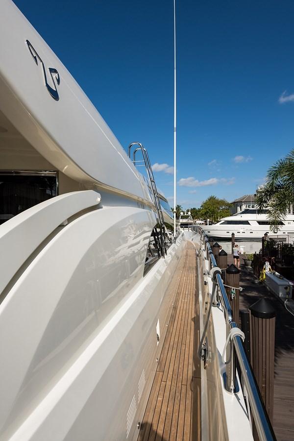 34m Leopard 2008 LEOPARD Motor Yacht Motor Yacht 2698994