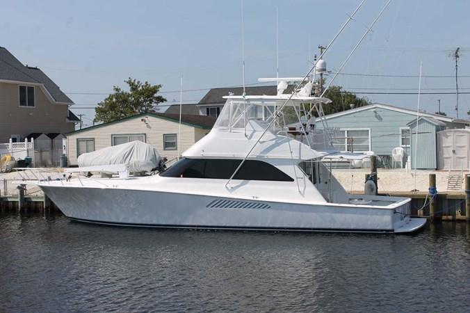 Starboard Side at Dock 2002 VIKING 52 Convertible Sport Fisherman 2698641
