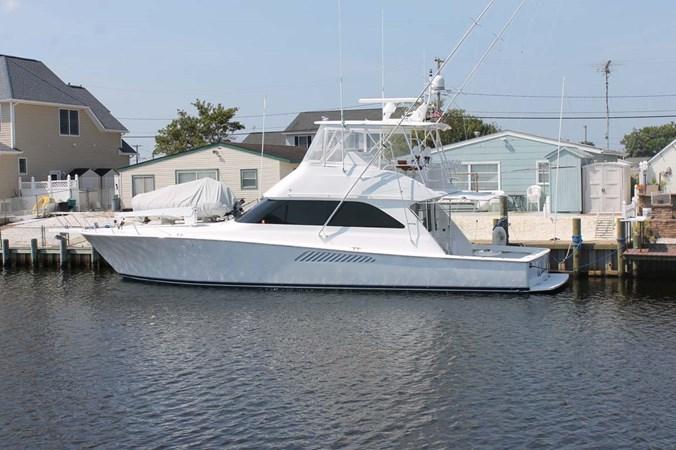 Starboard Side at Dock 2002 VIKING 52 Convertible Sport Fisherman 2698642