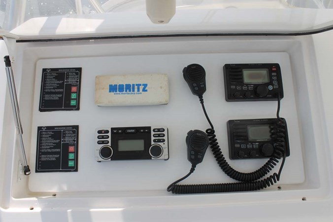 Helm Electronics 2002 VIKING 52 Convertible Sport Fisherman 2698650