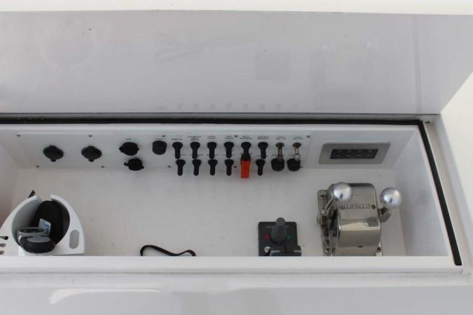 Helm Electronics 2002 VIKING 52 Convertible Sport Fisherman 2698651