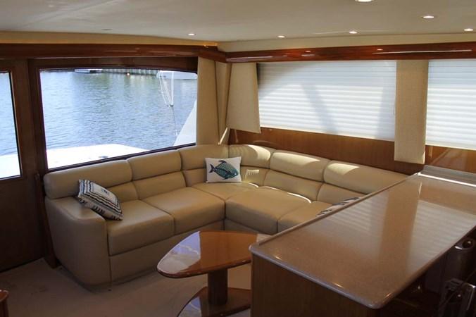 Salon Seating 2002 VIKING 52 Convertible Sport Fisherman 2698659