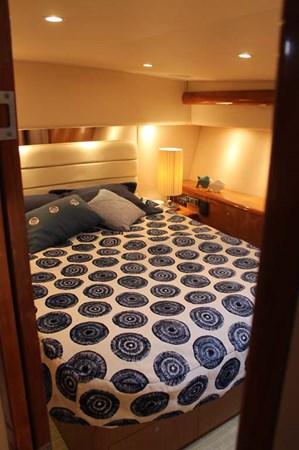 Master Stateroom 2002 VIKING 52 Convertible Sport Fisherman 2698671