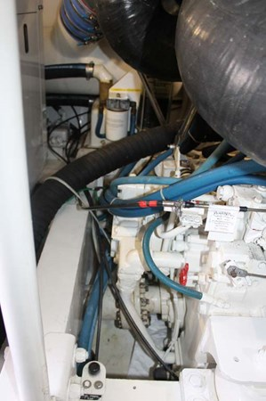 Engine Room 2002 VIKING 52 Convertible Sport Fisherman 2698684