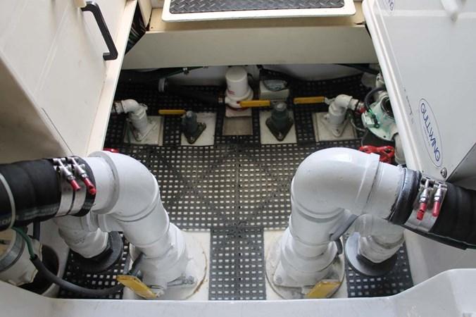 Engine Room 2002 VIKING 52 Convertible Sport Fisherman 2698696