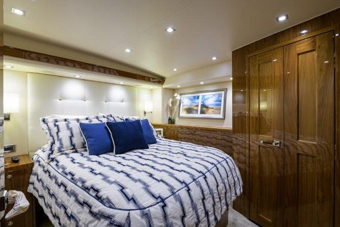 Port Guest Stateroom 2017 VIKING Enclosed Sport Fisherman 2698768