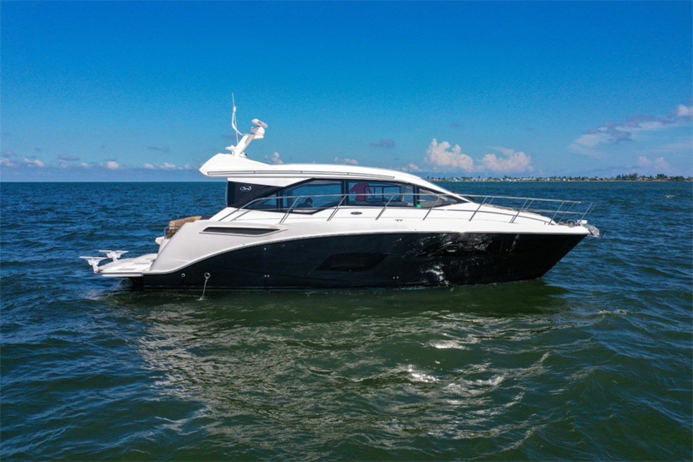 2017 Sea Ray 46 Sundancer 2017 SEA RAY 46 Sundancer Cruiser 2698836