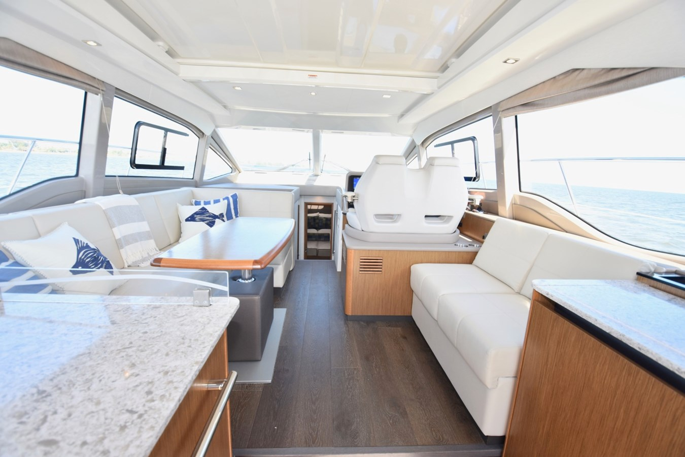2017 46 Sea Ray Sundancer  2017 SEA RAY 46 Sundancer Cruiser 2698851