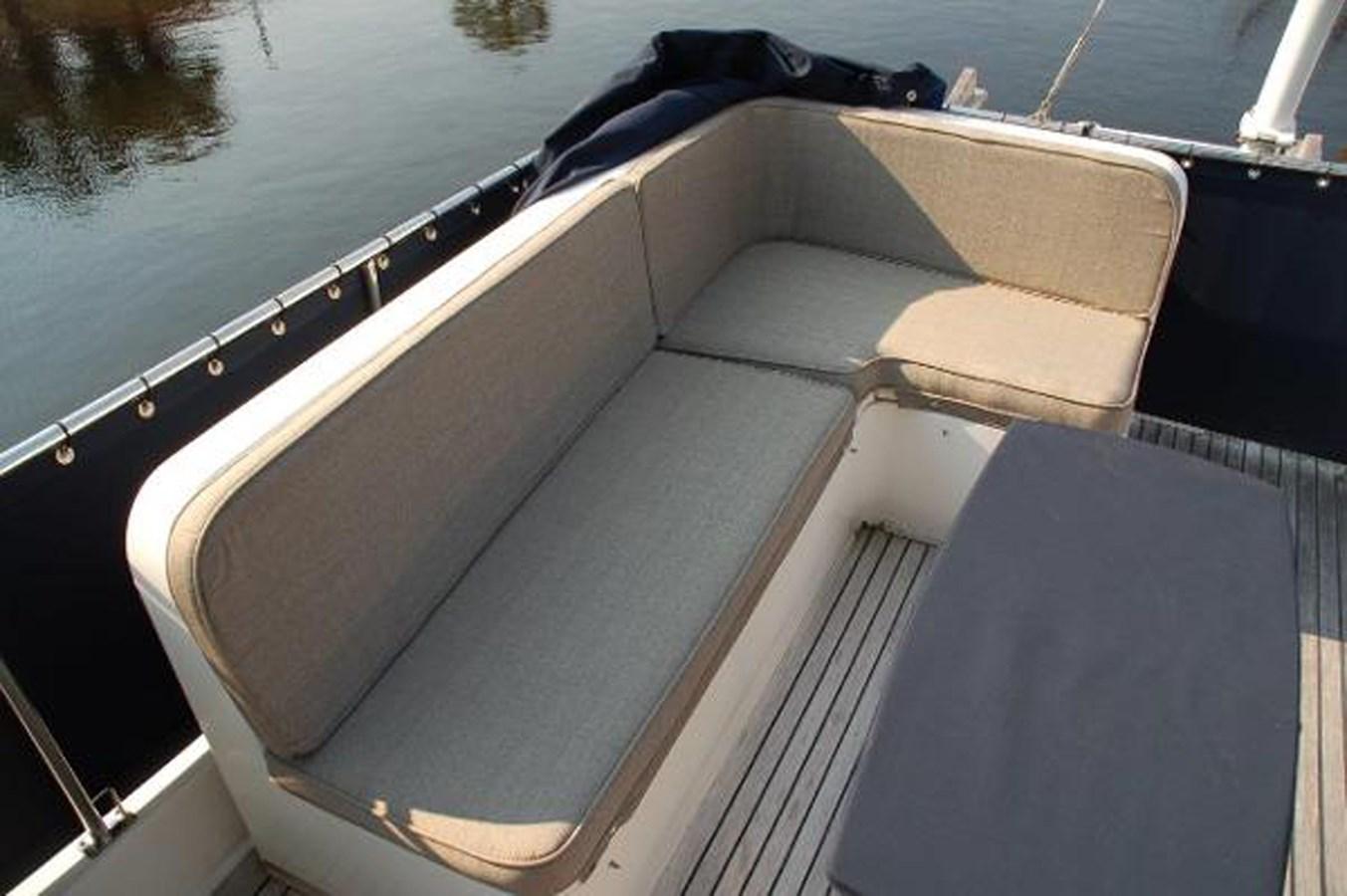 066 1998 GRAND BANKS Europa 42 Trawler 2701106