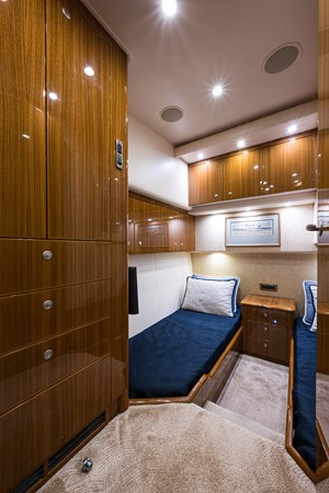 Outnumbered_mid_starboard_guest_stateroom_1 2008 VIKING  Sport Fisherman 2705704