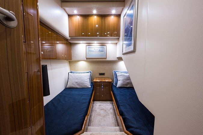 Outnumbered_mid_starboard_guest_stateroom_2 2008 VIKING  Sport Fisherman 2705705