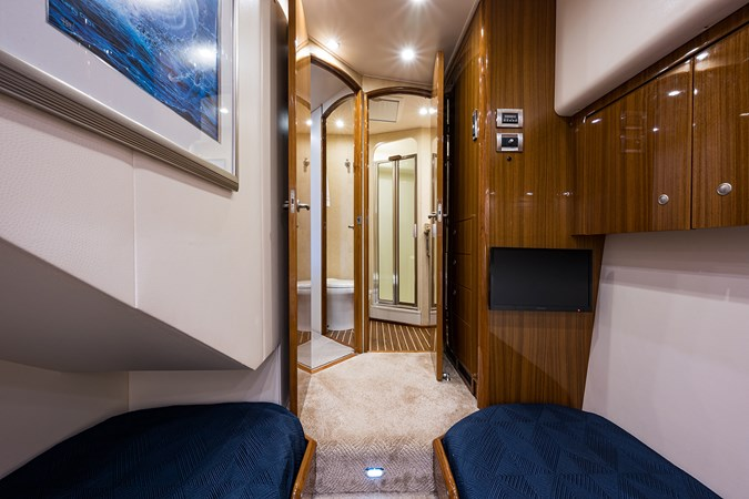 Outnumbered_mid_starboard_guest_stateroom_3 2008 VIKING  Sport Fisherman 2705706