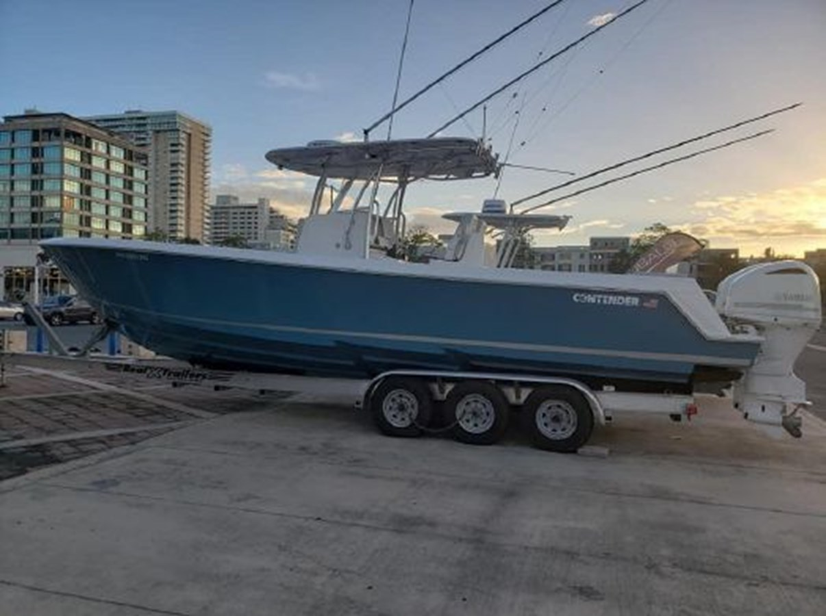 7226285_20190922142228894_1_XLARGE 2018 CONTENDER 35 ST Center Console 2702992