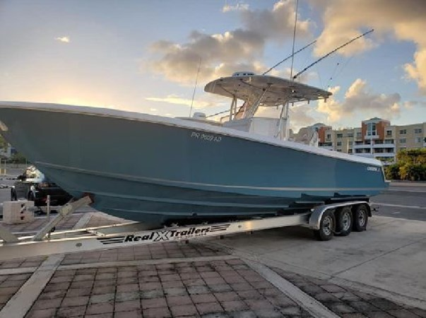 ReSized 2018 CONTENDER 35 ST Center Console 2703008
