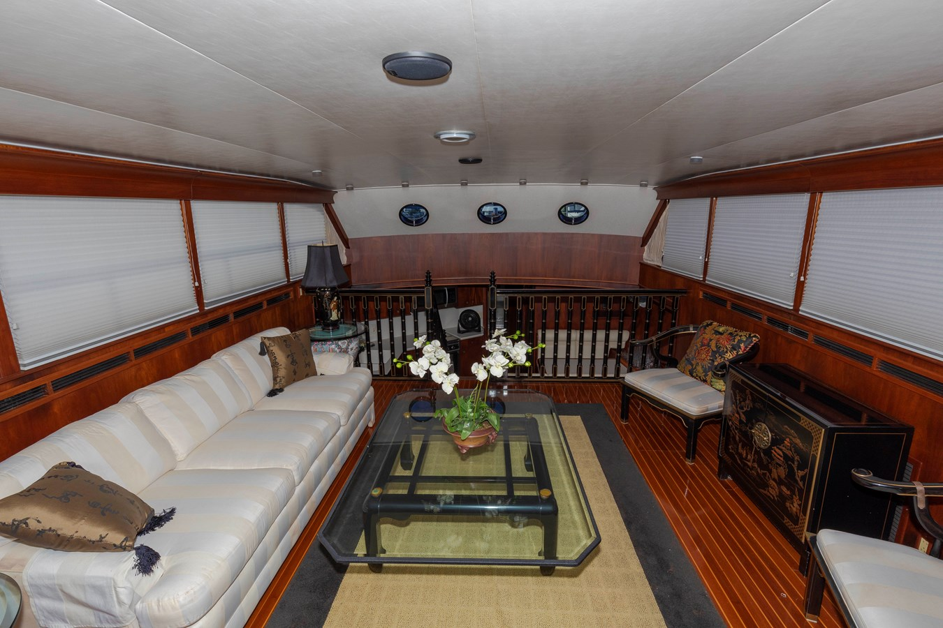 Lower Main Salon 1961 BURGER  Motor Yacht 2704945