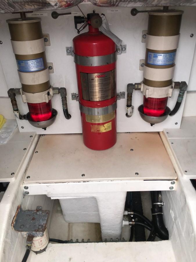 IMG_6102 1999 TIARA 4000 Express/ Hardtop Motor Yacht 2712748
