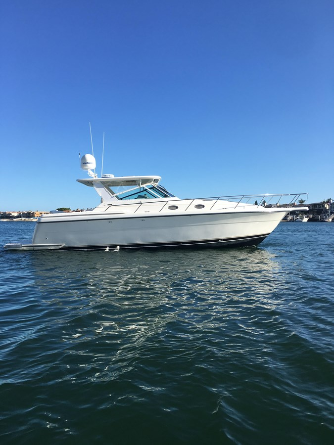 IMG_6113 1999 TIARA 4000 Express/ Hardtop Motor Yacht 2712754